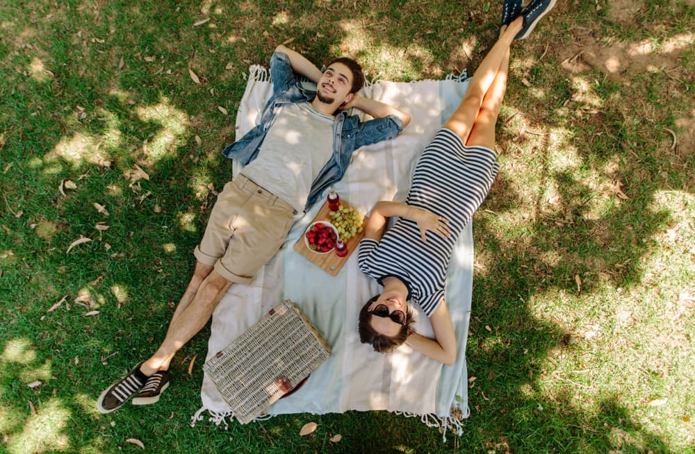 5-wasy-to-make-use-or-your-lawn-this-summer